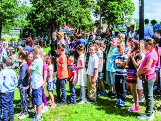 Prvoprijímajúce deti prichádzali k Presvätej Bohorodičke