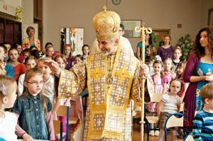 17 4 Deti školy sv. Gorazda s vladykom Milanom
