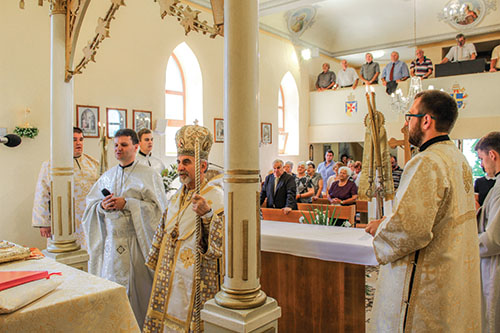 Vladyka Milan Chautur navštívil obec Luhyňa