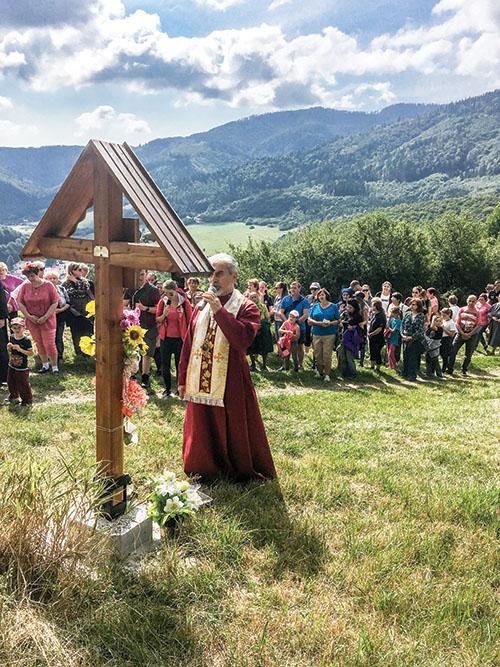 Veriaci z Kojšova sa stretli pri baníckom kríži