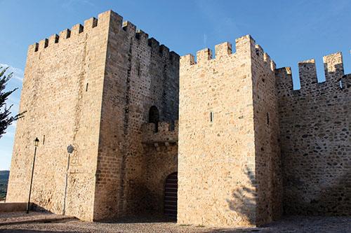 Hradby a múry – tichí ochrancovia