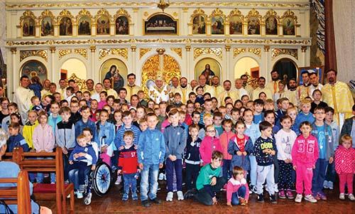 Rodiny sdeťmi putovali za bohatstvom viery do Ľutiny