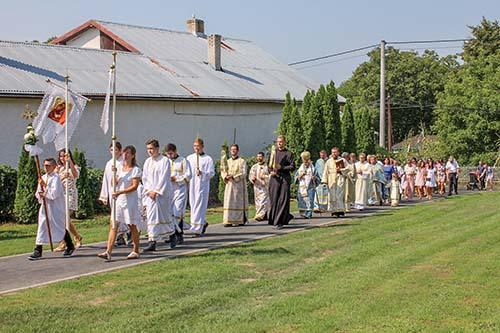 Vo Vyšnej Rybnici posvätili obnovený chrám a oslávili 600. výročie zmienky o obci