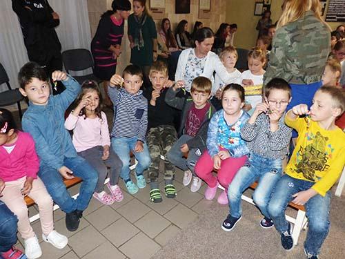 Deti vyprosovali pokoj vo svete