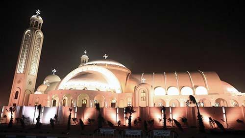 V Káhire bola posvätená nová koptská katedrála