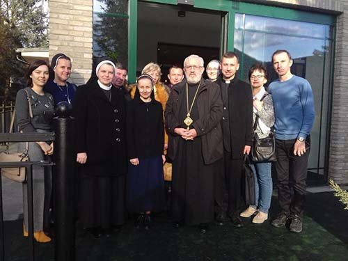 Biskupi sa stretli s laikmi