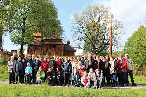 Veriaci zo Sekčova putovali po drevených chrámoch