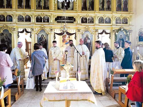 Dvesto rokov chrámu v Petrovej