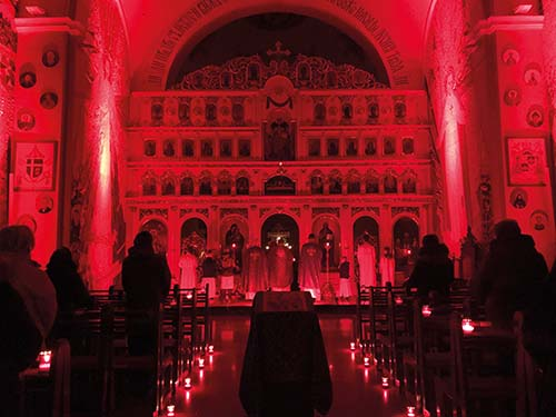 Bazilika vĽutine v červenom