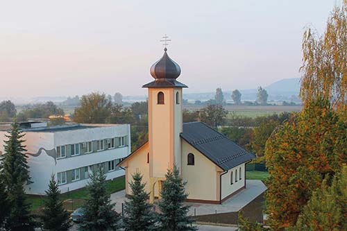 Cerkev Sv. Pia z Pietrelčiny vo Vranove nad Topľou