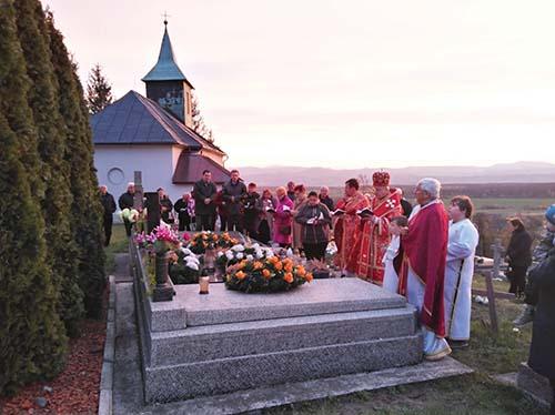 Vladyka Ján Babjak sa modlil za svojho predchodcu