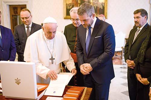 Predseda vlády sa stretol so Svätým Otcom
